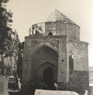 Imam Mustansir billah II's mausoleum at Anjundan Several other Imams were later buried here Source The Ismailis An Illustrated history